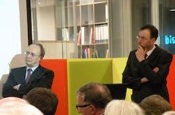2011 Februar Abendliches Gespräch Gerhard Schwarz und Tobias Straumann