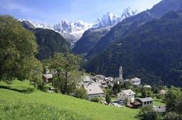 Nachhaltiger Tourismus ist ein relativer Begriff. (Im Bild: die Berggemeinde Soglio, Quelle: Fotolia)