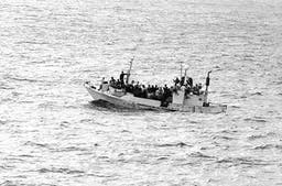 Flüchtlingsboot. (Wikimedia Commons)